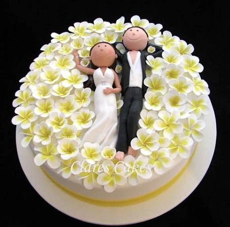 22 Awesome Quirky Unusual Wedding Cake Toppers - Coolest Wedding Cakes