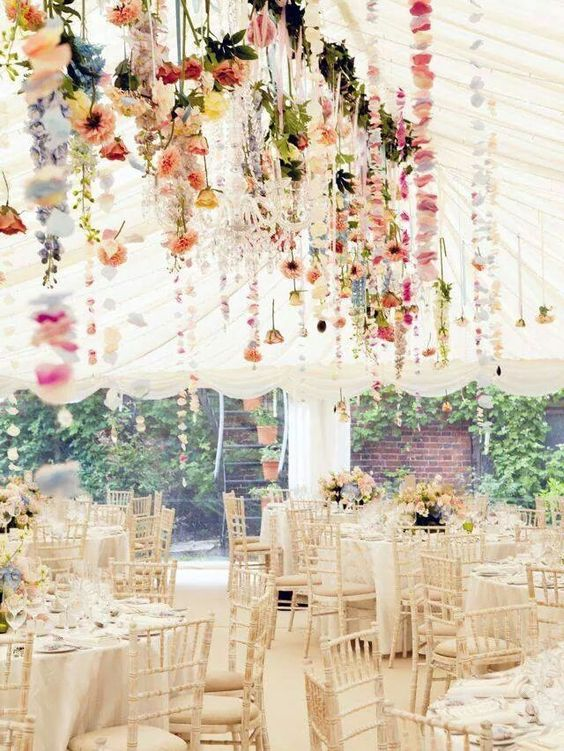 floral-bridal-shower-decor