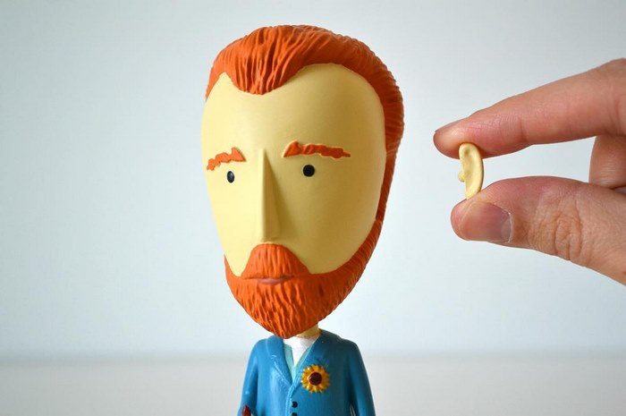 vincent-van-gogh-action-figure-todayisartday-1
