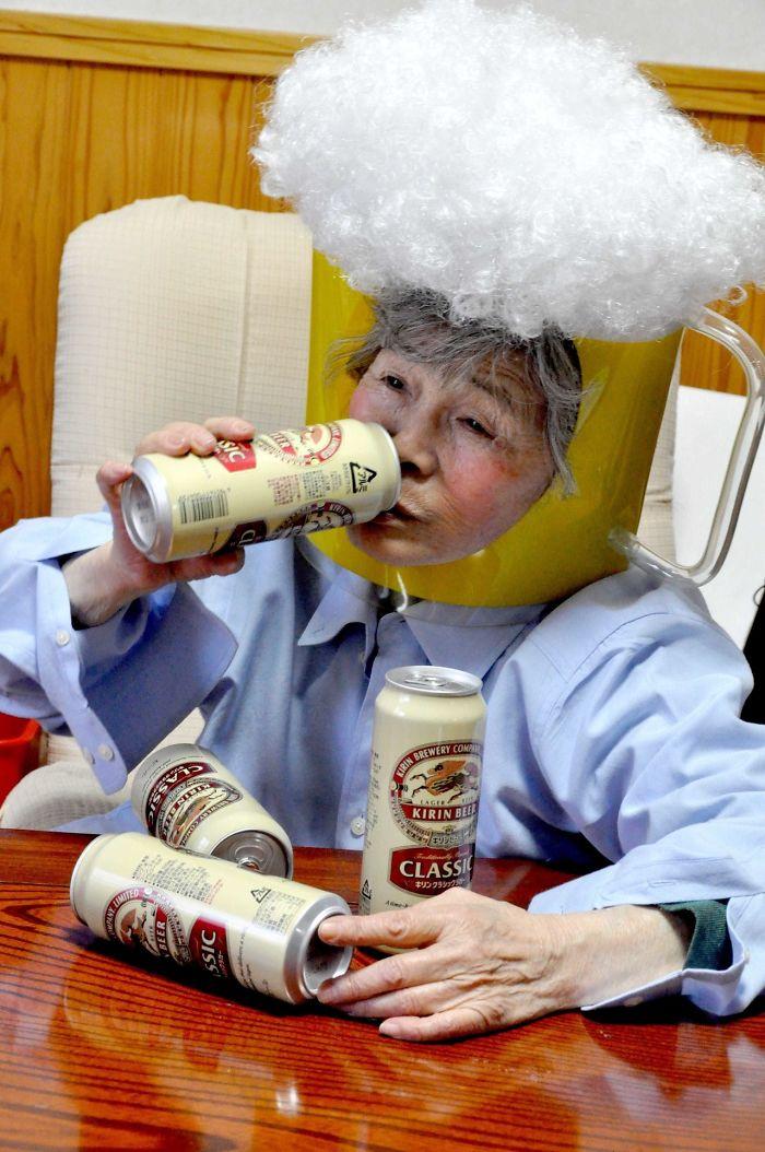 5a0c19acc33d9-funny-self-portraits-kimiko-nishimoto-89-year-old-7-5a0a9e0a544fa__700