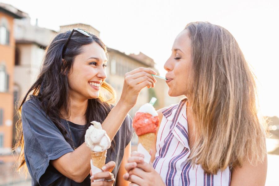 couple-on-ice-cream-date