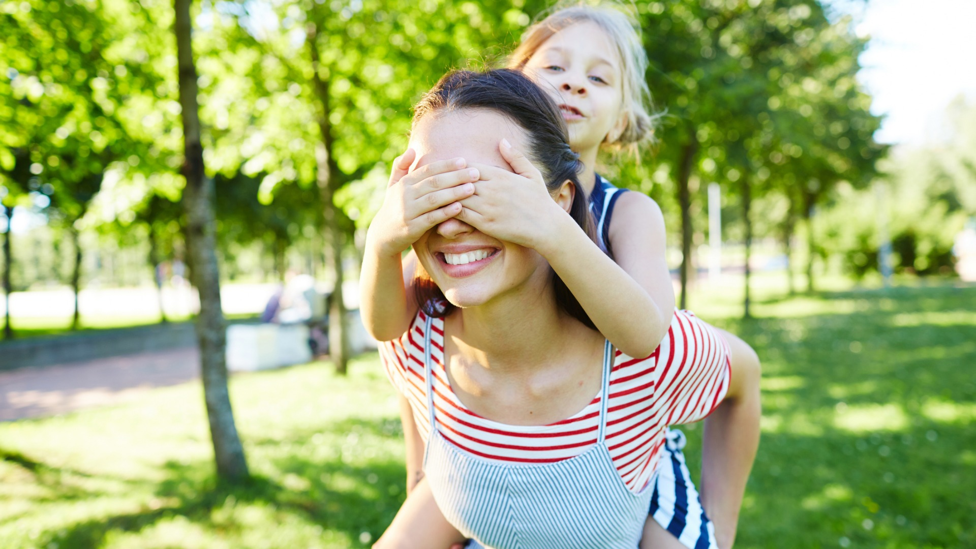 fun-with-mother-picture-id950067580